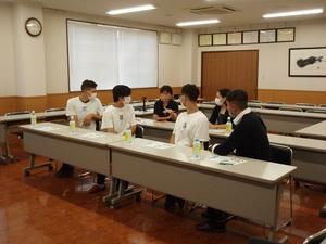 日本語があまり分からない方もいましたが、先生や日本語の分かる生徒が通訳し、理解に努めていました。