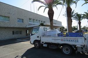 ムンド校様への支援トラック