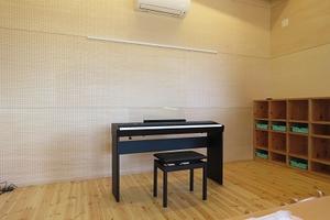 寄贈電子ピアノ