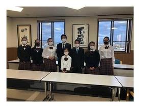 7名のムンド校奨学生